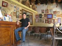 1016_1_12._Beto_en_restaurante_Margarita_Gralia.jpg